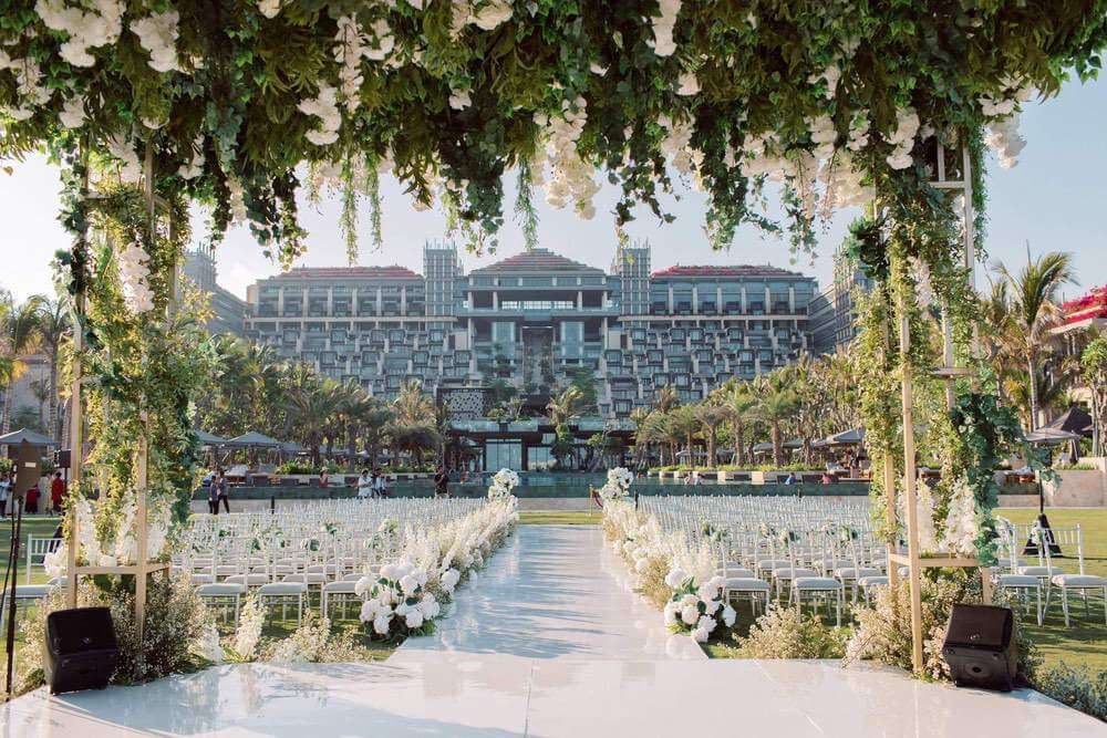 View from wedding ceremony area to Apurva Kempinski hotel